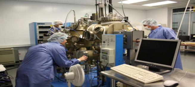 JPH04171944A - Vapor phase epitaxial growth equipment ...
